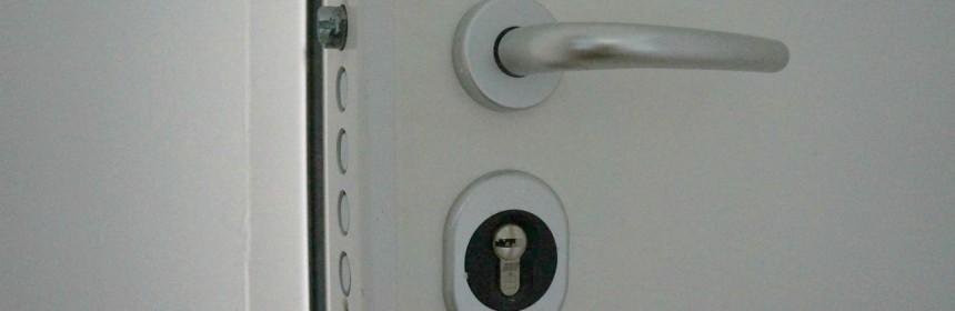 pourquoi opter pour des portes blind es. Black Bedroom Furniture Sets. Home Design Ideas